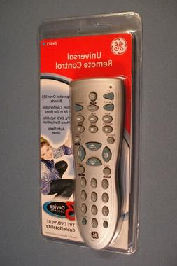 GE 3 DEVICE UNIVERSAL REMOTE CONTROL – TV/DVD/VCR